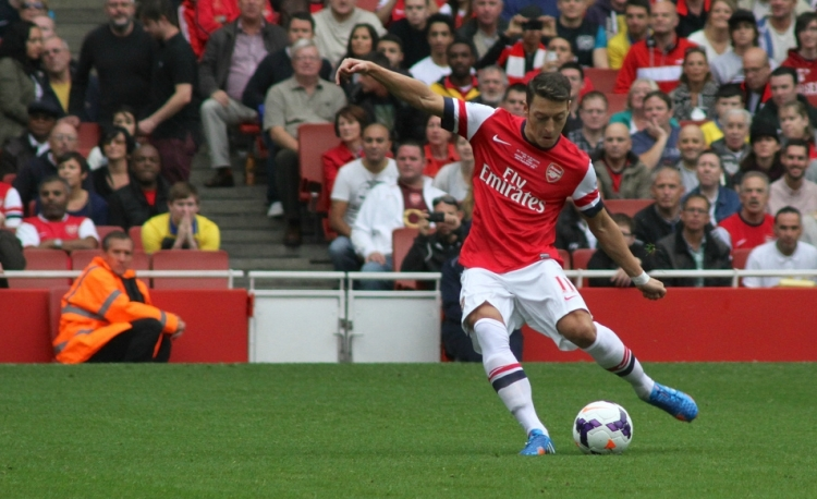 Ozil set to sign new deal withGunners